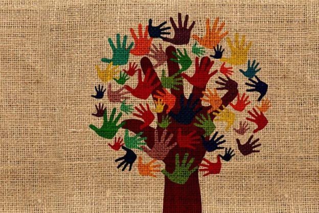 Nicolas Masihi décrit le travail d'une association humanitaire afrique